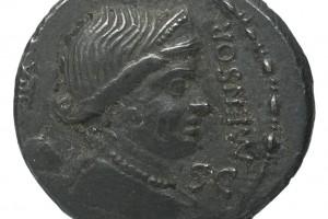 XIII? 3.94gr _ 19.0mm
